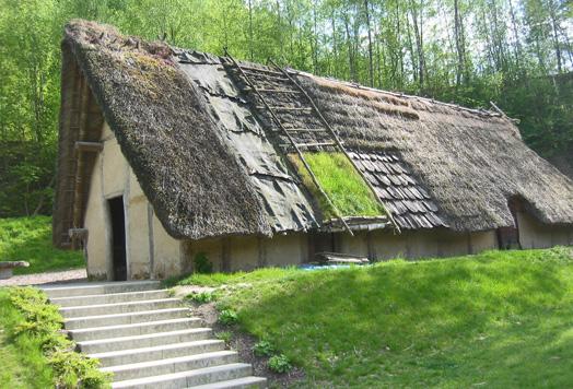 Maison danubienne au Préhistomuséum de Flémalle, Belgique