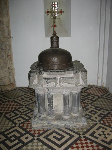 Eglise romane clunisienne de Saint-Severin en Condroz 3