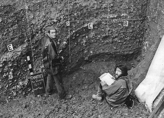 Fouilles à Chartres, 1971, Michel Marie et Philippe Dessen
